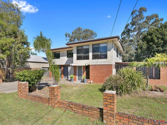 Serious offers over $479,000