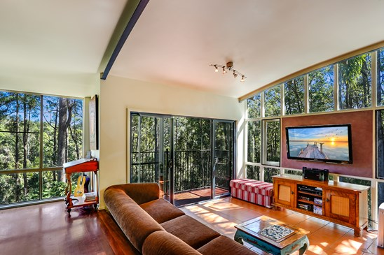 Offers over $478,000