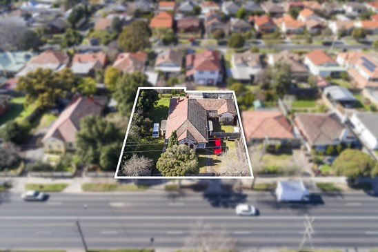 110-112 Warrigal Road, Oakleigh