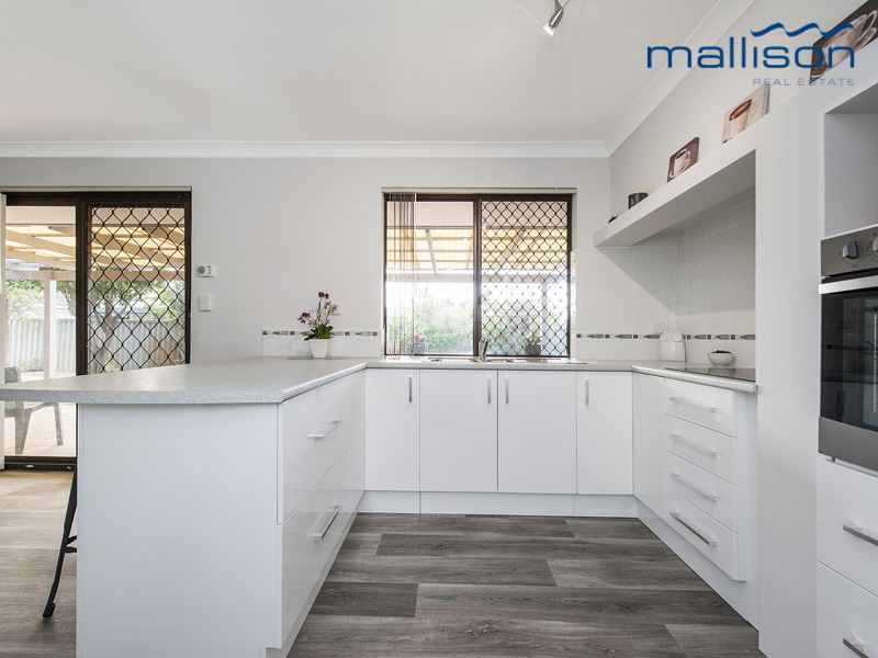 Picture of 16B Granville Way, Willetton