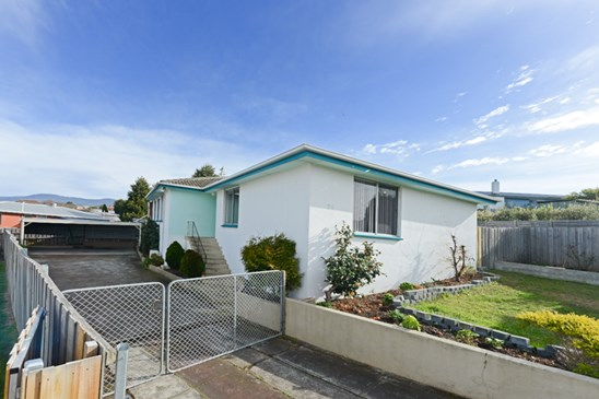 Offers Over $235,000 (under offer)