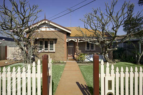 2 The Causeway, Strathfield South