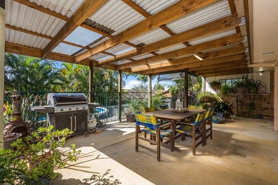 Price Guide $525,000 - $550,000 (under offer)