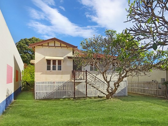 New Price $240,000 Neg (under offer)