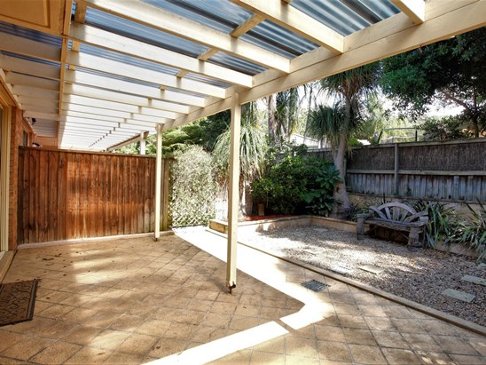 2 Forest Road, Warriewood
