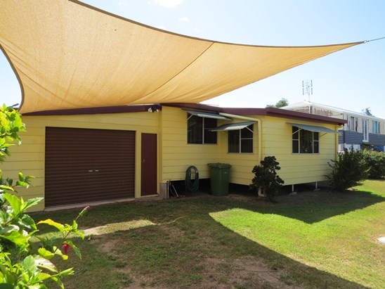 $189,000 - FULLY RENOVATED (under offer)