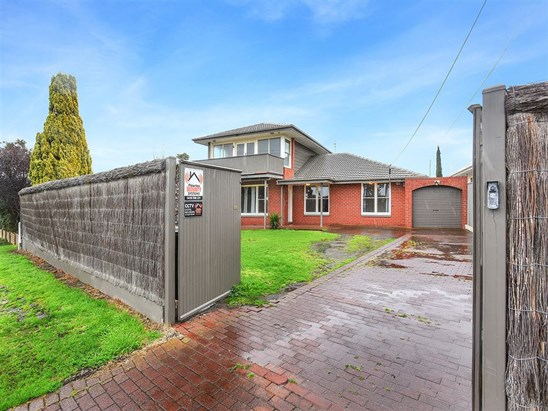 7 Dundalk Avenue, Mccracken
