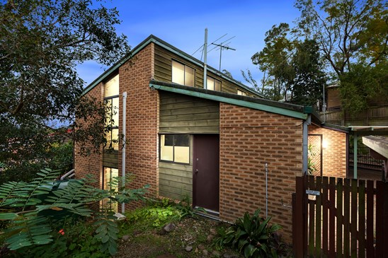 Offers Over $585,000 (under offer)