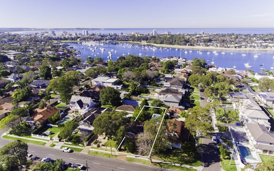 Auction, Price Guide $1,920,000-$2,100,000