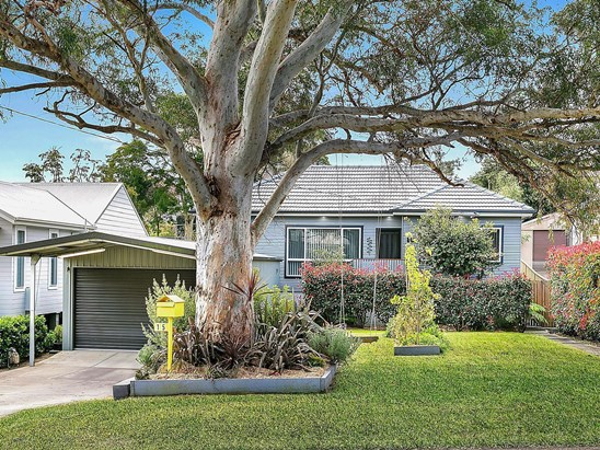 Auction, price  guide $570,000