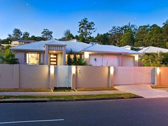 Buyers around $850,000 (under offer)