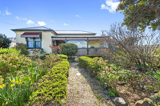 Offers Over $465,000 (under offer)
