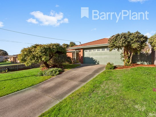 Under Contract - Paul Cunnington 0457047962 (under offer)