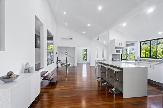 Price Guide over $799,000 (under offer)