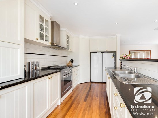$470,000 to $495,000 (under offer)