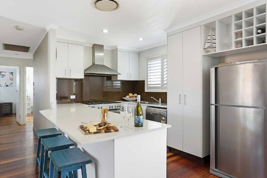 Buyers in the High $800,000s (under offer)
