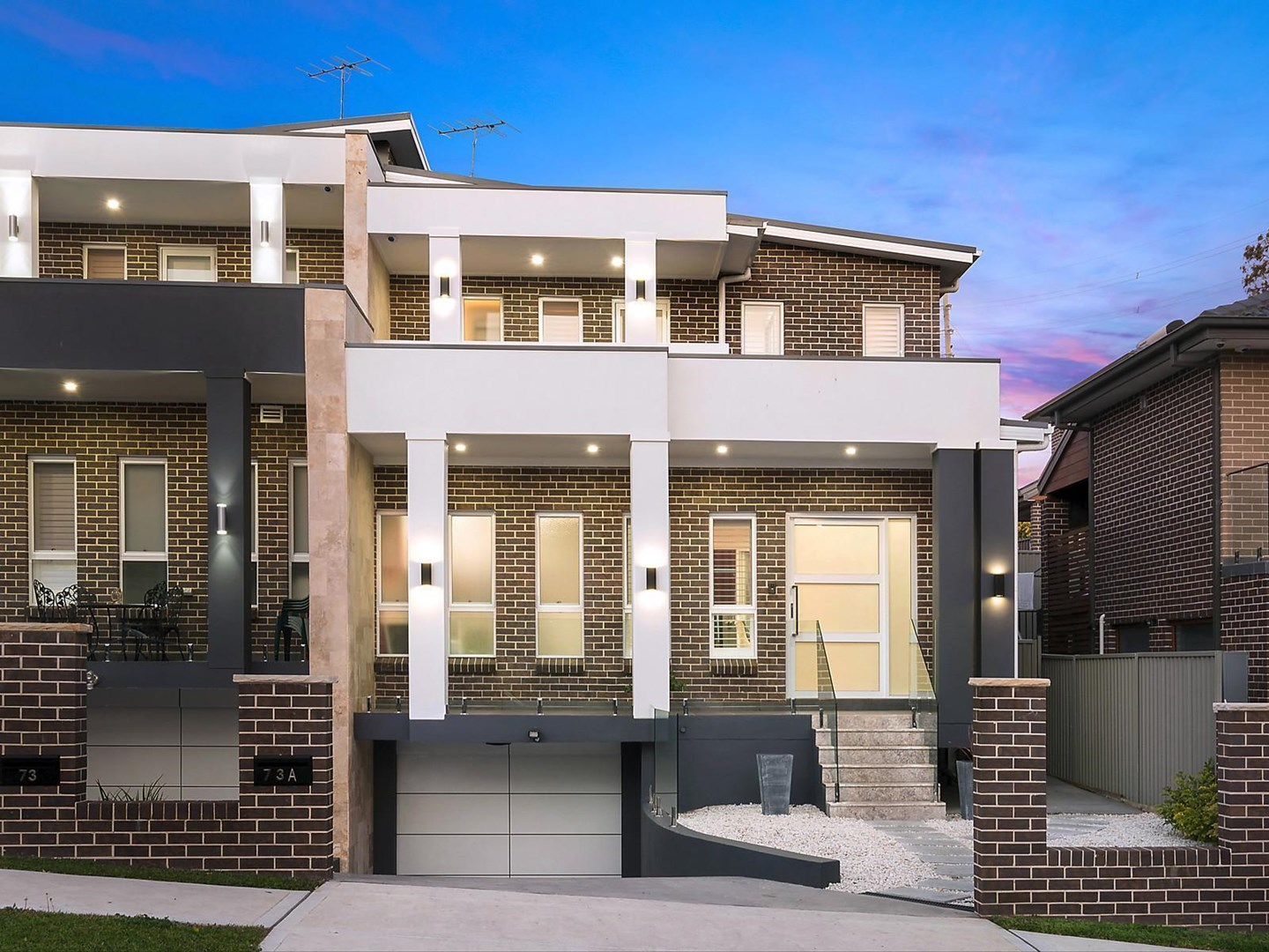 Auction, price  guide $800,000  - $850,000