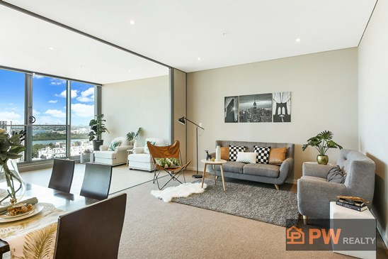 Prized north facing aspect, city & water views