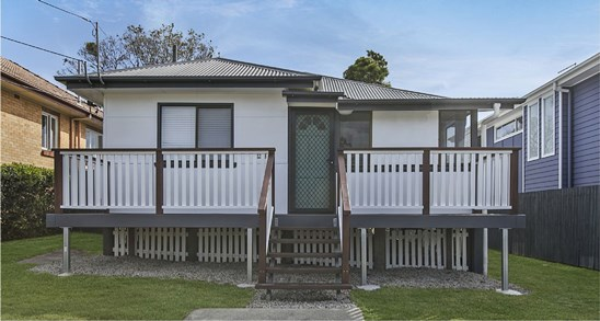 Offers Over $489,000
