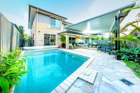 Offers Over $925,000