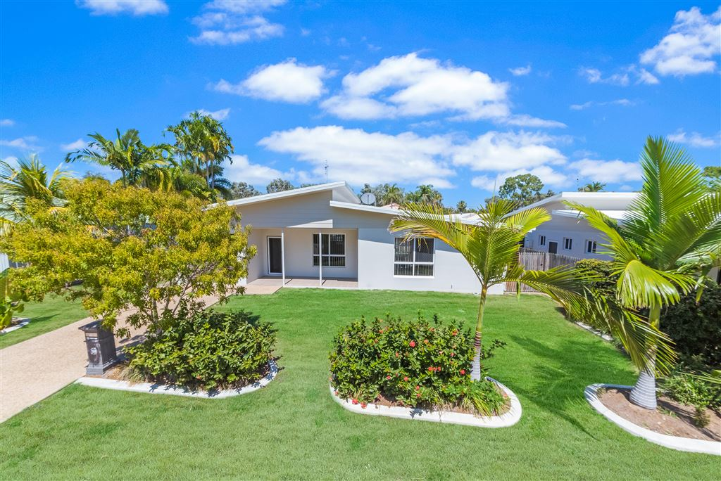 2/1 Alba Court, Bushland Beach QLD 4818, Image 0