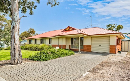 11 Lamont Road, Mccracken
