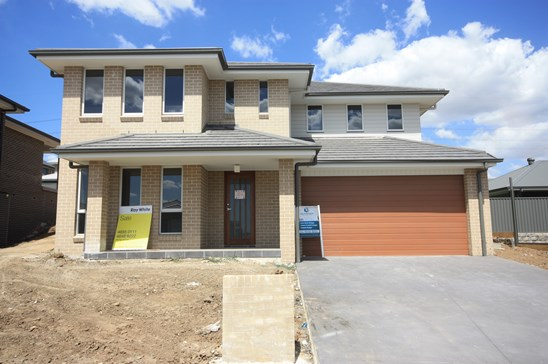 BUILDER SAYS MUST SELL! $825,000 - $875,000 (under offer)