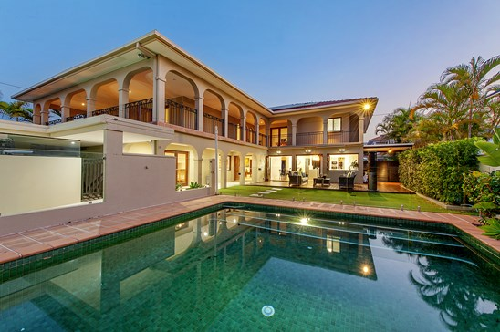 64 Commodore Drive, Paradise Waters