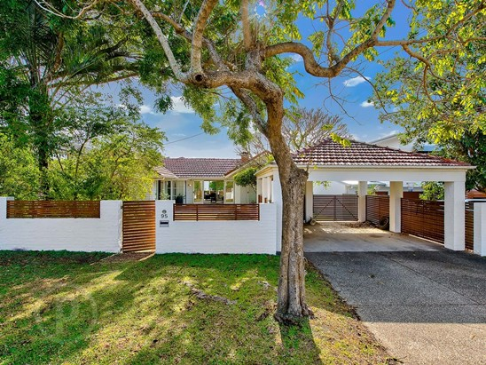 Offers Over $1.26m (under offer)