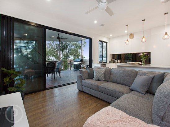 Buyers in the $700,000s (under offer)