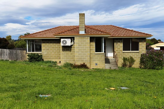Offers Over $180,000 (under offer)