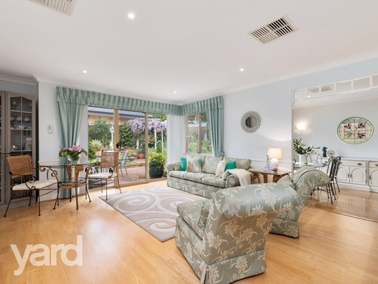High $900's - Low $1m (under offer)
