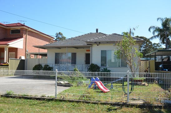 AUCTION THIS SATURDAY  16/12/17 AT 1PM