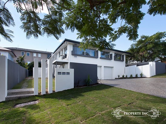 Offers Over $369,000