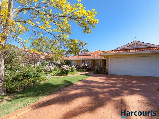 2 Pinegrove Mews, Currambine