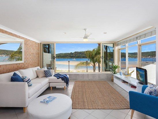 Auction, price  guide $960,000  - $1,050,000