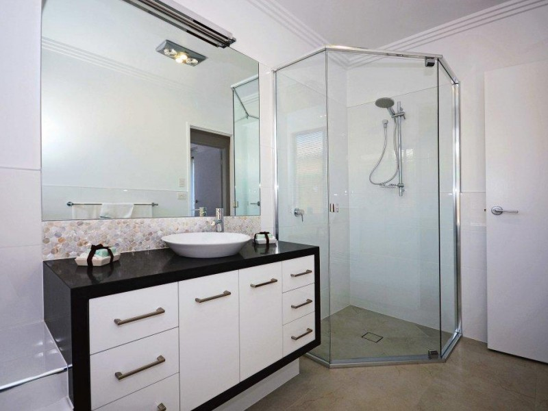 Homeware & Hardware  business for sale in Surfers Paradise - Image 1