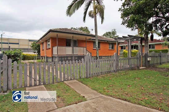 Offers over $240,000 (under offer)