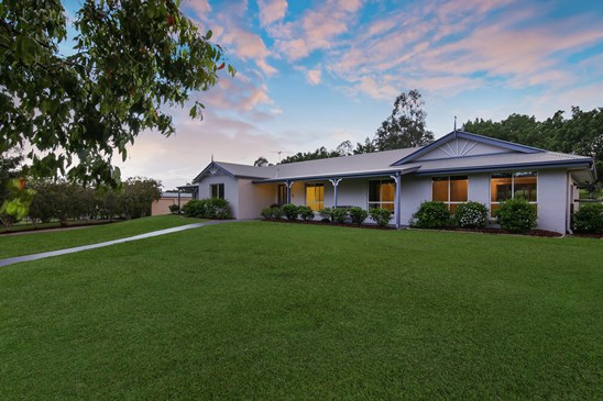 Offers over $949,000