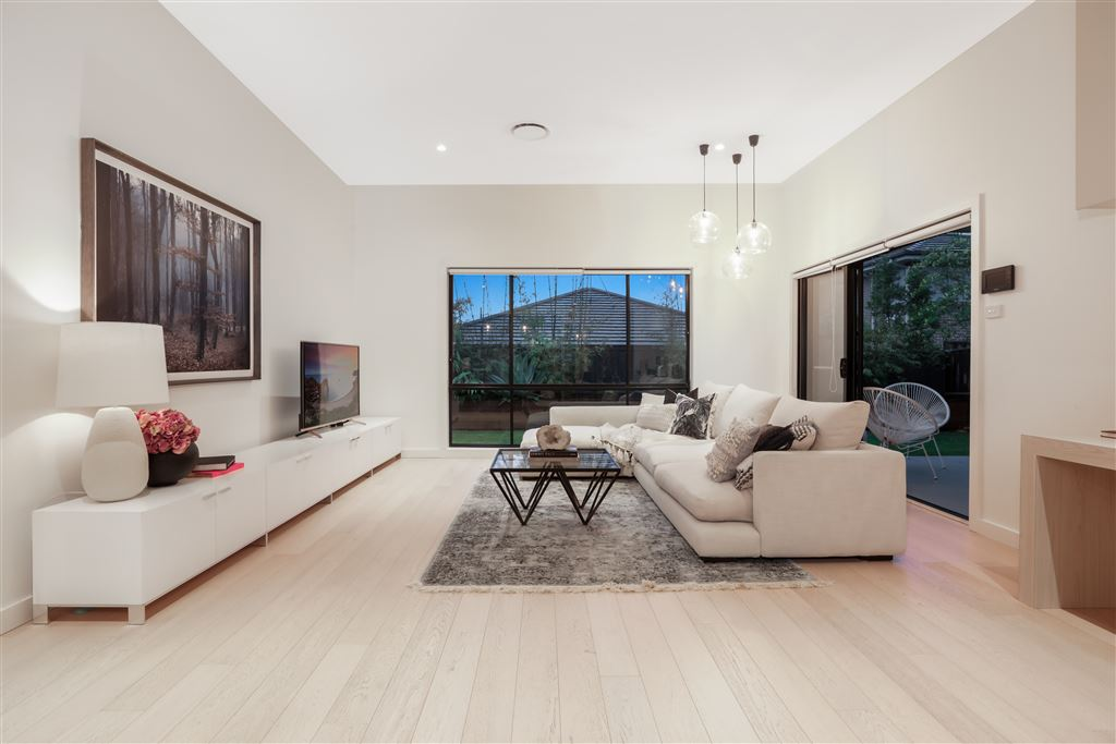 Price Guide $990,000 - $1,060,000 (under offer)