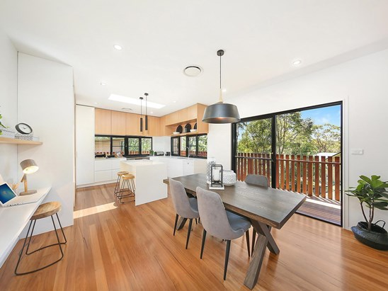 Auction, price  guide $750,000