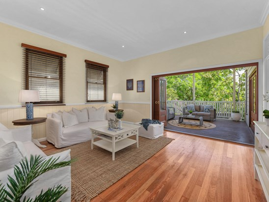 BUYERS IN THE HIGH $800KS (under offer)