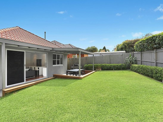 Auction, price  guide $1,650,000