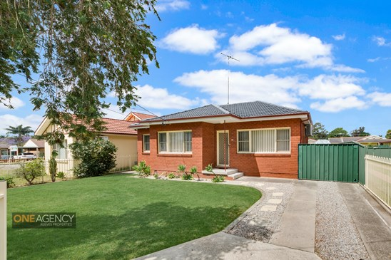 Buyers Guide $649,000 - $679,000 (under offer)