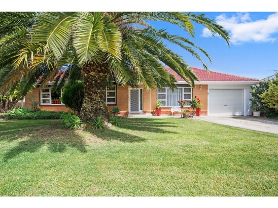 $600,000  Auction 18/11/17 at 12pm (under offer)