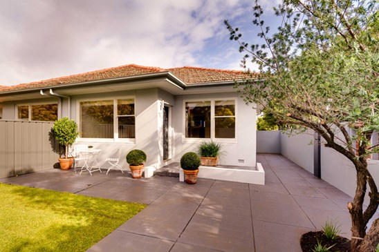 Price Guide $335,000 to $360,000 (under offer)
