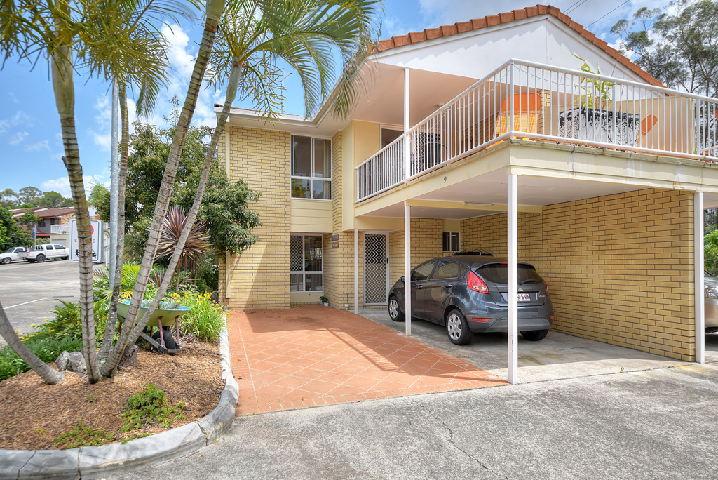 Offers Above $349,000 (under offer)