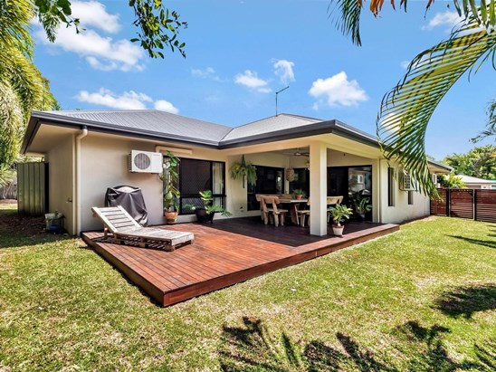 Offer's Over $499,000 - Metres from Beach