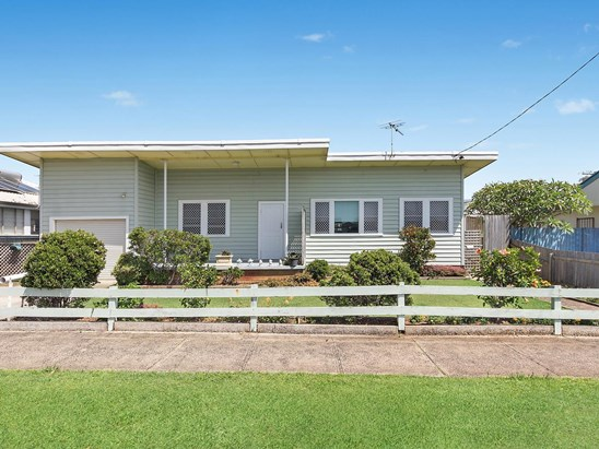 Auction, price  guide $460,000  - $500,000