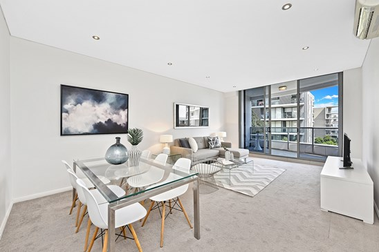 Under Contract | Jack Zhao and Sophia Zhou (under offer)